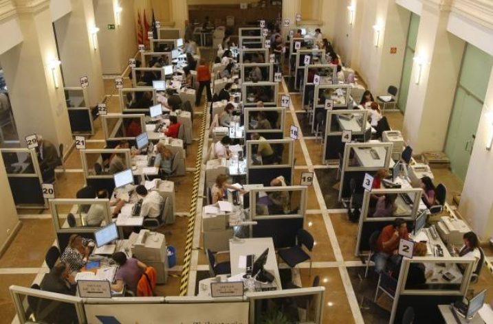 Por las 35 horas del personal público en la Administración