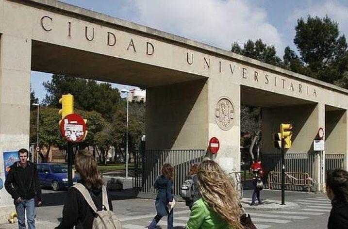 Las licitaciones de las cafeterías de la Universidad de Derecho y Ciencias de la Salud podrían suponer más de cinco despidos