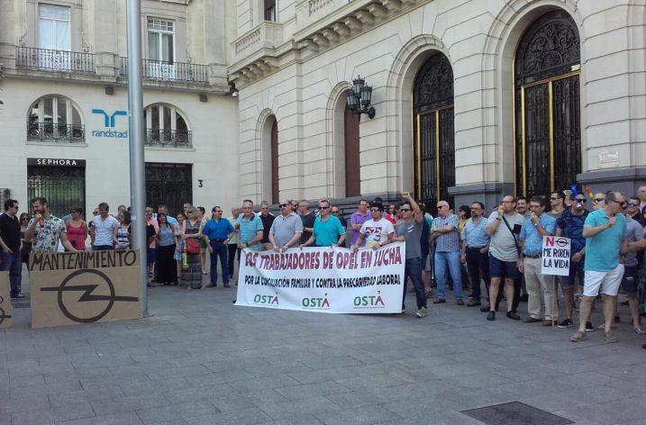 Los trabajadores de OPEL se concentran en Zaragoza