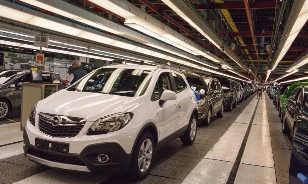 Opel no renueva el contrato con Android